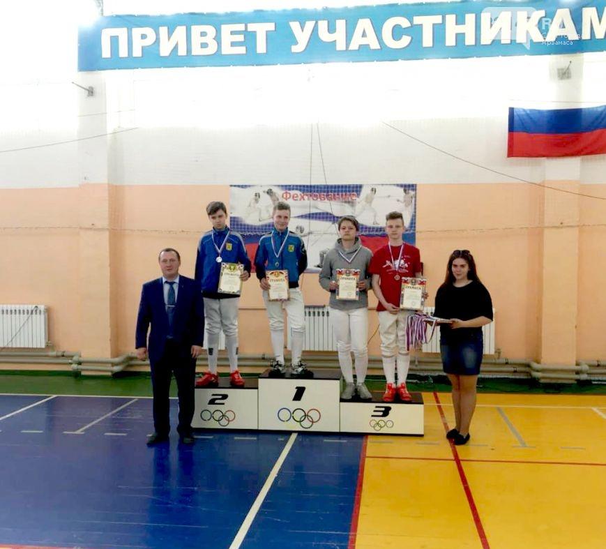 Слева направо В.Карпычев, А. Баскаков, И. Атаманец, М.Кузнецов, К.Суханов, В. Усанова