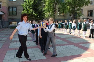 Полицейские Арзамаса устроили для школьников спортивный праздник