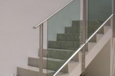 Как правильно выбрать ограждения для лестницы и балкона
