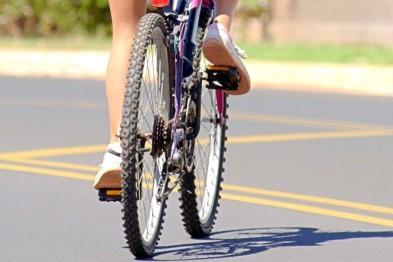 Юный велосипедист попал под колеса иномарки на Жуковского