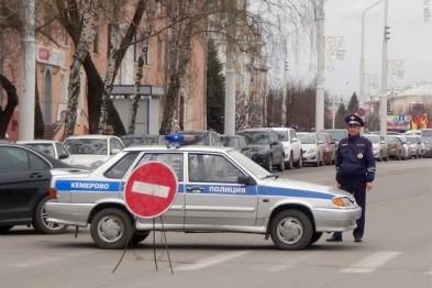 Сразу несколько улиц перекрыли в Астрахани из-за пожара в жилом доме