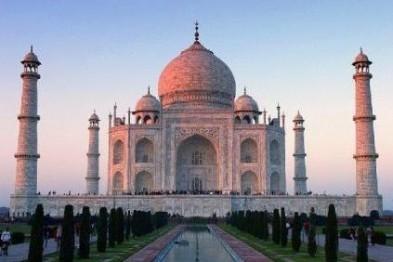 Мраморное чудо Индии – храмы Тадж-Махал и Джай Гуру Део