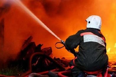 Два дома обгорели в результате пожара из-за неисправной печи в Арзамасском районе