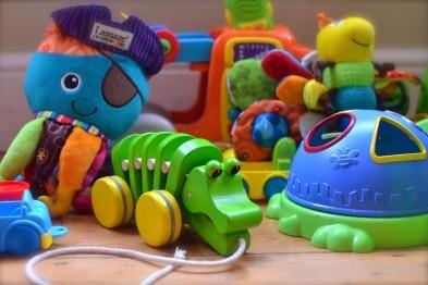 Вредные и опасные вещества обнаружены в детских игрушках на полках нижегородских магазинов