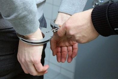 В Дзержинске местного жителя подвергли аресту на 3 суток за то, что тот устроил дебош в прокуратуре