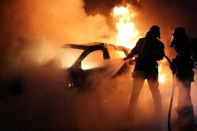 В Мурманске ночью сгорел автомобиль