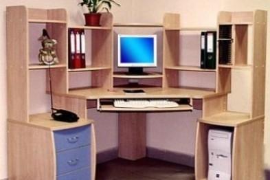 Разнообразные столы – удобные помощники