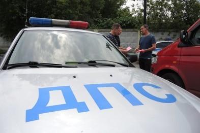 Житель Починок заплатит 10 тыс. рублей штрафа за езду без прав и попытку дачи взятки полицейскому