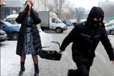 25-летний житель города Бор задержан в Арзамасе за уличный грабеж