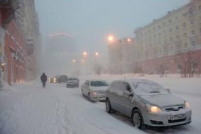 Мэр Магадана Юрий Гришан призвал жителей города выйти на улицы с лопатами
