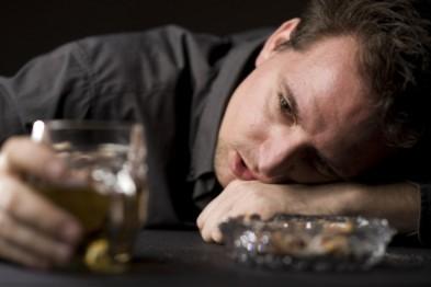 Распитие алкогольных напитков с неизвестными закончилось для жителя Арзамаса пропажей ноутбука