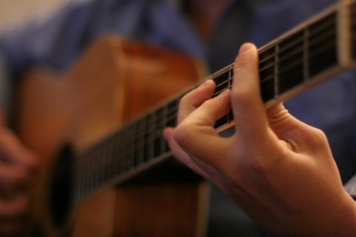Насколько просто изучать переборы на гитаре для начинающих