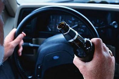 В Нижнем Новгороде пьяный водитель врезался в стоящую машину и погиб