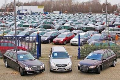 Мошенник из Арзамаса завладел почти миллионом рублей, обещая привезти автомобили из Европы