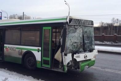 Два автобуса столкнулись в Арзамасе