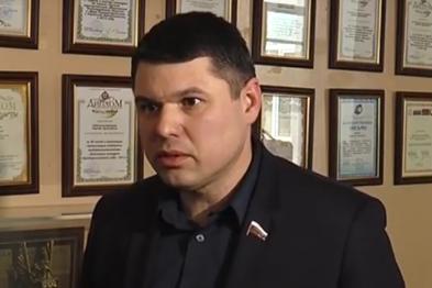 Александр Тюрин пригрозил исключить из партии и фракции 6 депутатов, поддержавших кандидатуру Парусовой