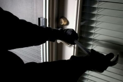 Около 65 тыс. рублей похитили злоумышленники, ограбив магазин и офис в Арзамасе