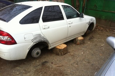 В Арзамасе задержали рецидивиста, оставившего машину без колес