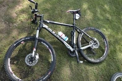Неадекватный арзамасец отобрал велосипед у подростка и сломал ему ногу