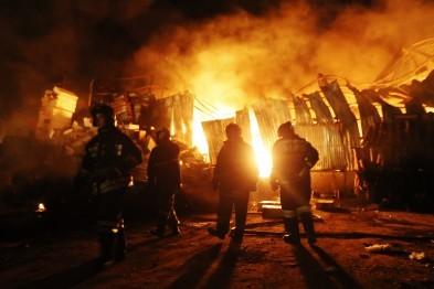 В Арзамасе сгорел дом со всеми надворными постройками