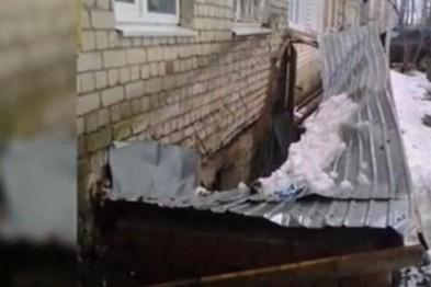 Нечищенные крыши домов чуть не привели к беде в Арзамасе (ВИДЕО)