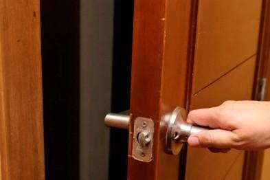 В Арзамасе домушник-рецидивист похитил из квартиры ювелирные украшения