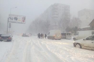 Транспортные артерии Магаданской области вновь открыты для проезда после сильнейшего снегопада