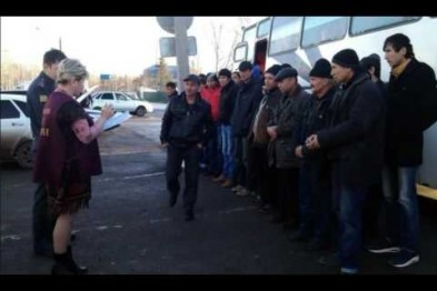 Автобус с нелегалами остановили на посту ДПС возле Арзамаса