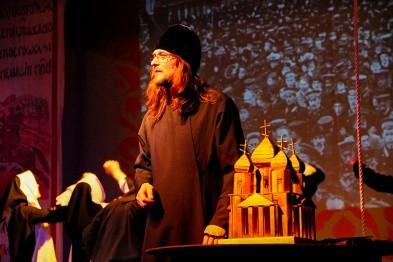 Глава Нижегородской митрополии побывал на спектакле в Арзамасе