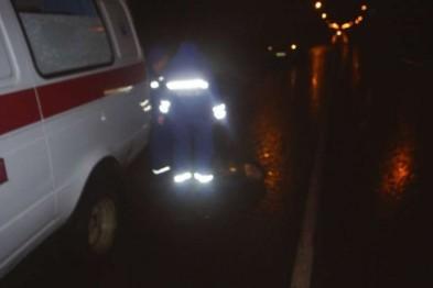На Алтае 15-летняя школьница госпитализирована после того, как в Чое водитель сбил ее на