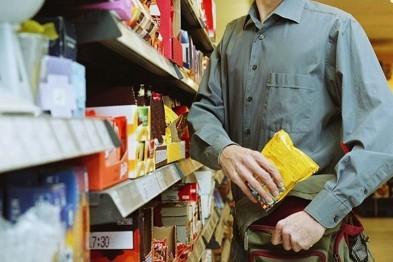 Нижегородец украл из магазина 4 банки кофе и сыр