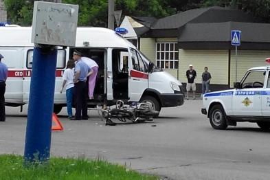 Мотоциклист врезался в автомобиль «Калина»