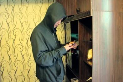 Безработный рецидивист из Арзамаса ограбил в городе 3 квартиры