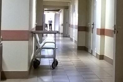Жителя Екатеринбурга, напавшего в роддоме на беременную жену с ножом отправили в психушку