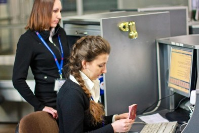 Около 50 тыс. неплательщиков в Нижегородской области лишены права выезда за границу
