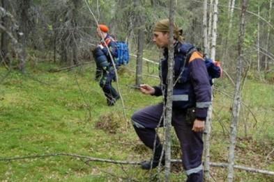 Краснобаковские полицейские отыскали в лесу двух заблудившихся девушек