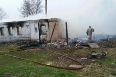 Две пенсионерки погибли на пожаре в собственном доме