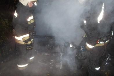 Ночью в Арзамасе горел автомобиль