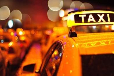 Житель Тюмени обобрал таксиста, отняв 150 рублей, угрожая расправой