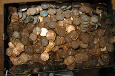 Почти 12.5 кг денег и сигареты похитили воры, взломав торговый павильон в Арзамасе