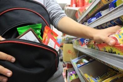 Кражу 3-х упаковок кофе совершил подросток из магазина на 9 Мая