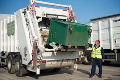 Поборами за вывоз мусора, начисляемые одной из управляющих компаний Астрахани заинтересовалась прокуратура