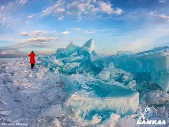 Байкал - лучшее место для отдыха зимой и летом (фото)