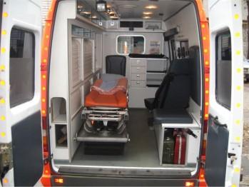 Все о правилах и условиях перевозки лежачих больных (фото)